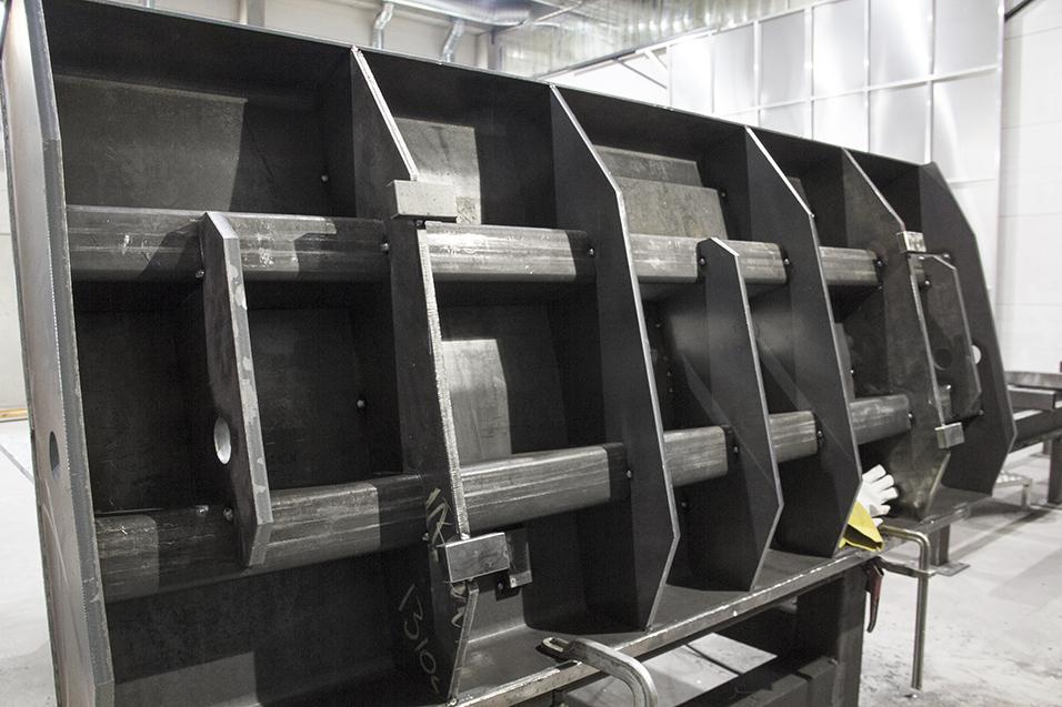 Simetek, levytyöt, CNC-ohjattu levynleikkaus ja -taivutus